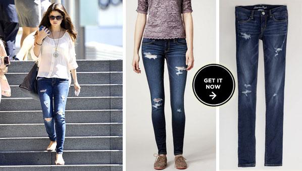 Selena Gomez camicia bianca e jeans boyfriend