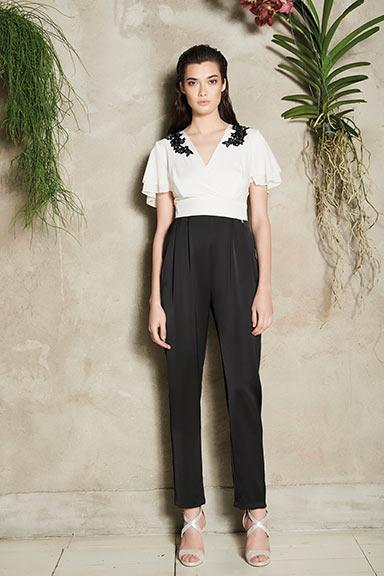 Rinascimento Outfit Elegante Bianco E Nero