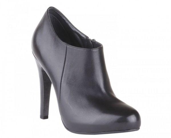 Ankle boot neri Bata autunno inverno 2013 2014