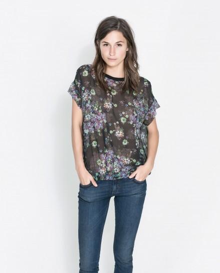 Blusa con fiori Zara