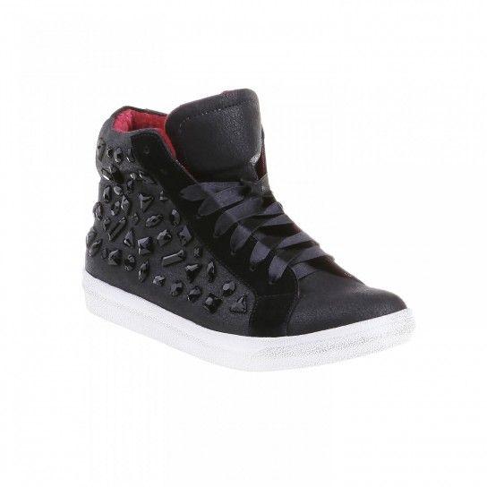 Sneakers Bata autunno inverno 2013 2014 con applicazioni nere