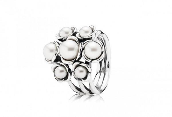 Anello con perle Pandora