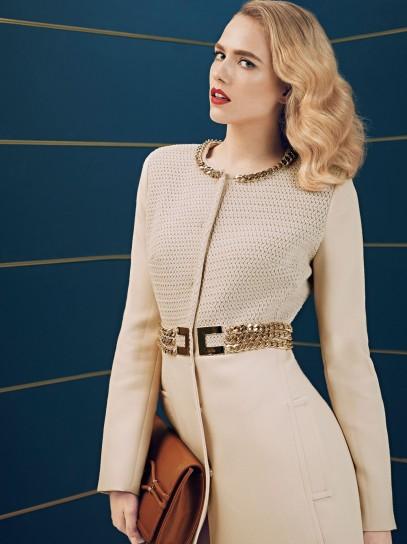 Cappotto con ricami e cintura oro Elisabetta Franchi collezione autunno inverno 2014
