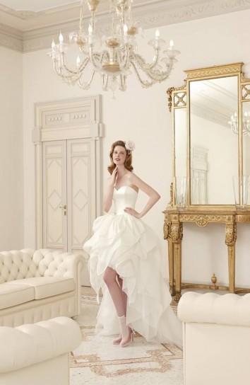Abito asimmetrico da sposa Atelier Aimée 2015