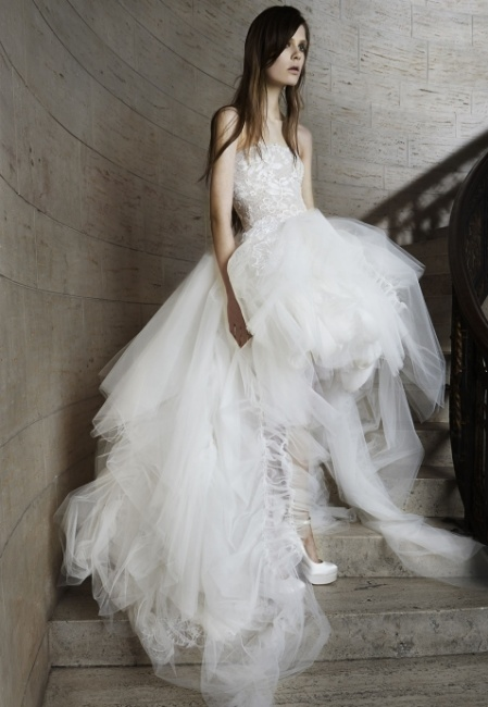 Abito da sposa asimetrico Vera Wang 2015