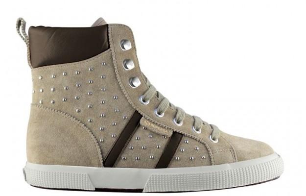 Sneakers con borchie