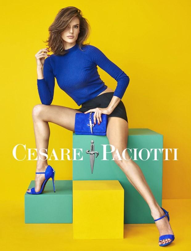 Alessandra Ambrosio per Cesare Paciotti primavera estate 2016 borse a mano