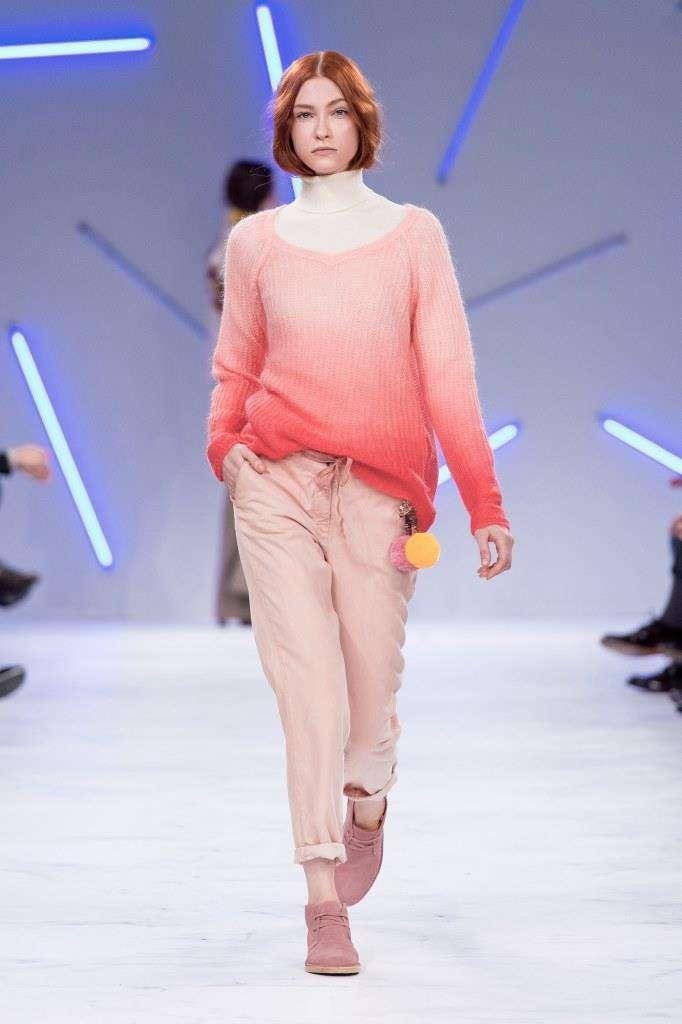 Maglione bianco e rosa Benetton