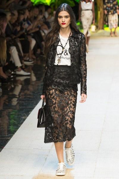 Dolce&Gabbana gonna in pizzo nera fasciante al ginocchio con giacca abbinata