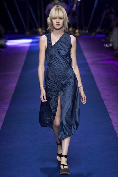 Versace abito blu plissettato con spacco