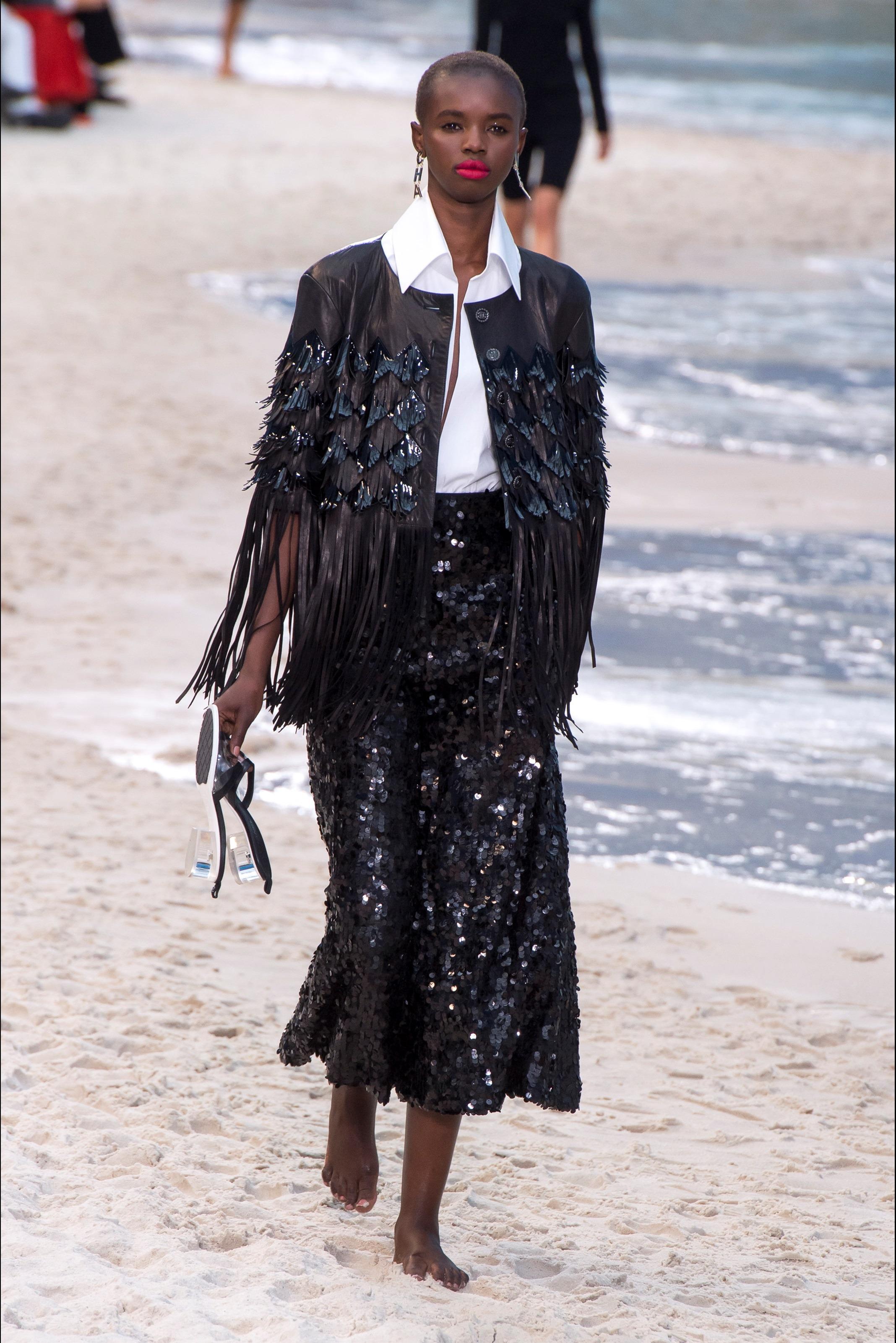 Chanel Outfit Nero Con Paillettes